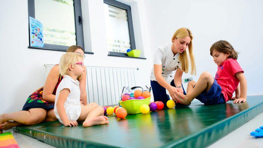 Dečija fizijatrija i rehabilitacija – kako da pravilno odrastu, kako ih sačuvati od povreda