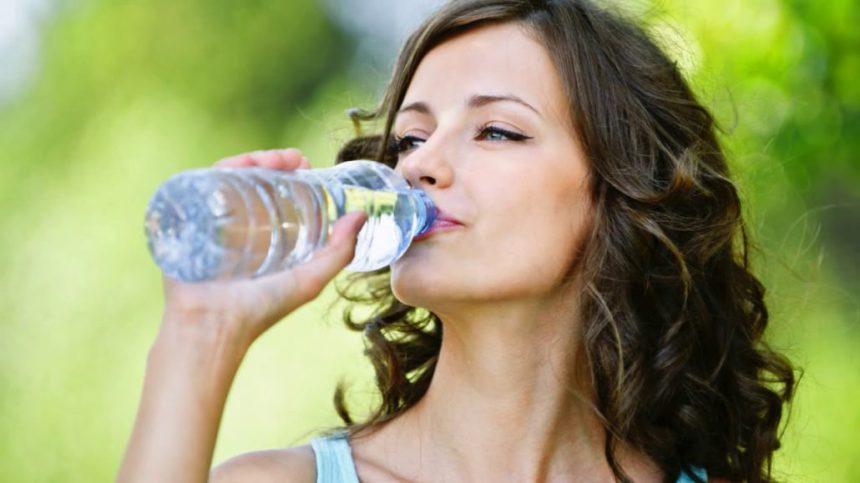 VODA – ELIKSIR ŽIVOTA, LEPOTE I ZDRAVLJA: Koliko nam vode treba i kako da je unosimo